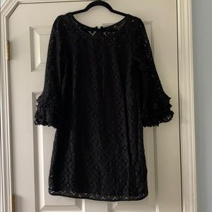 New Directions lacy dress w/ ruffled bell-sleeves